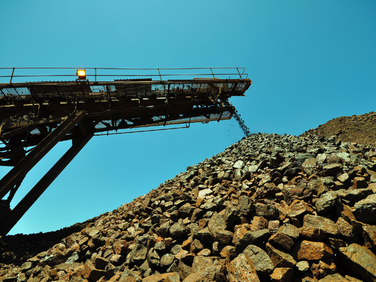 Vale lowers iron ore production guidance