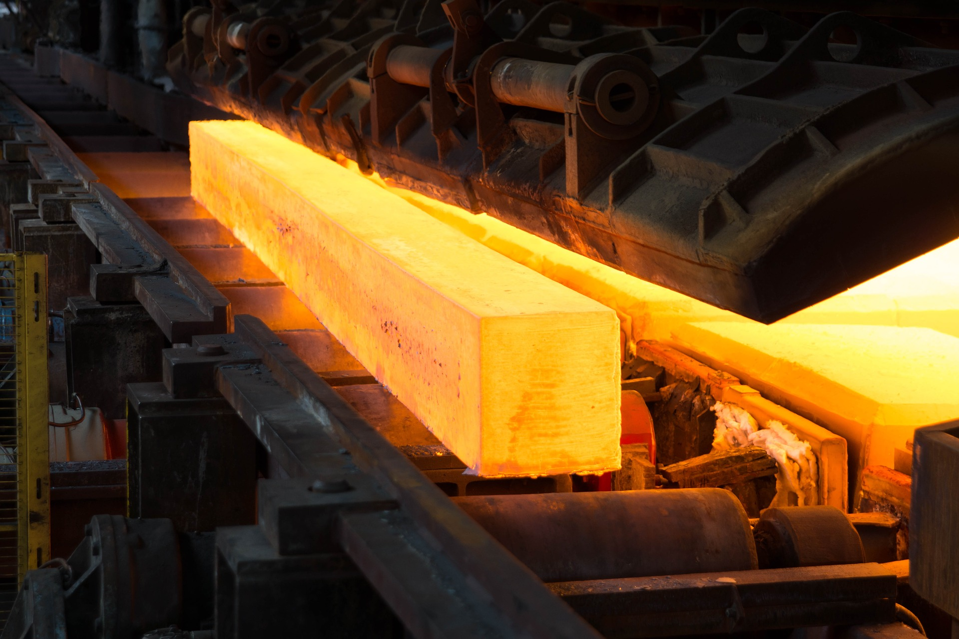 Chinese steel exports recommence year-on-year growth